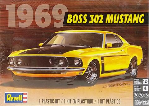 Ford Mustang 302 BOSS '69, 1:25 (pidemmällä toimitusajalla)