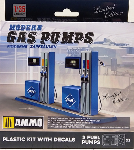 Modern Gas Pumps, 1:35