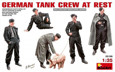 German Tank Crew At Rest, 1:35