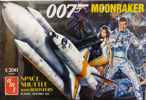 007 Moonraker Space Shuttle with Booster, 1:200