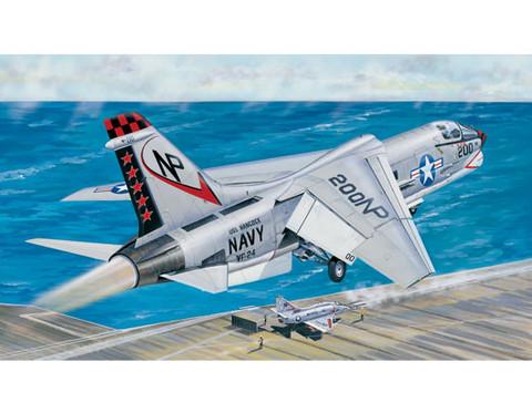 F-8J Crusader, 1:32 (pidemmällä toimitusajalla)