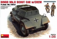 Dingo Mk.II Scout Car with Crew, 1:35