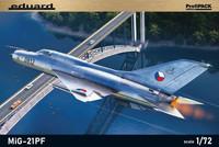 MiG-21PF ProfiPACK, 1:72 (pidemmällä toimitusajalla)