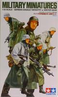 German Assault Infantry with Winter Gear, 1:35