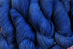 1-ply Finnsheep woolen yarn NightSky