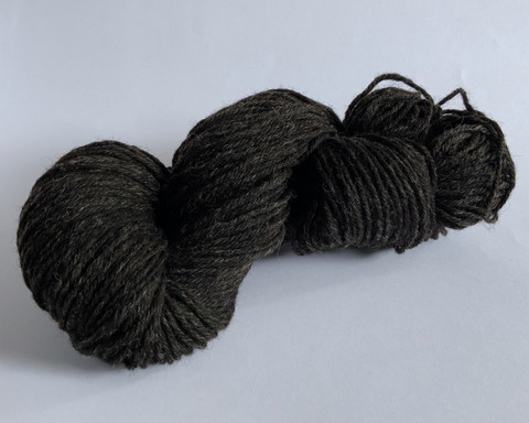 Finnsheep Aran weight organic sockyarn Black