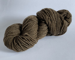 Finnsheep Aran weight organic sockyarn Brown