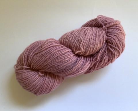 Vaalea violetti villalanka