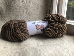 Bulky finnish woolyarn Brown