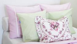 Tereelliset tyynyliinat - Satiinia/Eriväreissä