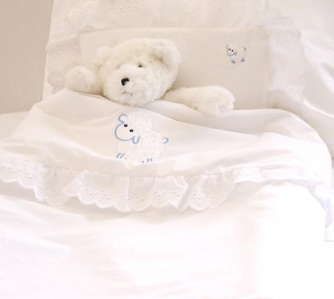 Vauvan pussilakana ja tyyny - Romanssi