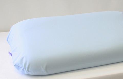 Muotoon ommeltu tyynyliina