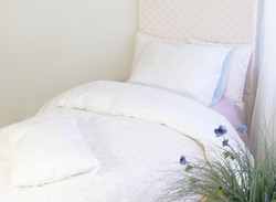 Sängynpäätyhuppu - Moonika