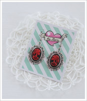 Cameo-korvakorut, Lady Skull, punainen/musta/antiikkihopea 2