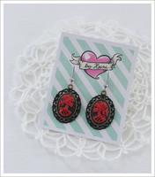 Cameo-korvakorut, Lady Skull, punainen/musta