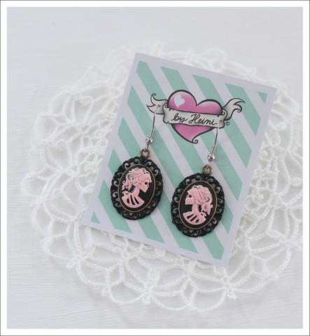 Cameo-korvakorut, Lady Skull, vaaleanpunainen/musta