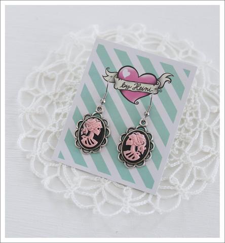 Cameo-korvakorut, Lady Skull, vaaleanpunainen/musta/antiikkihopea