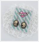 Cameo-korvakorut, Lady Skull, luonnonvalkoinen/musta/antiikkihopea