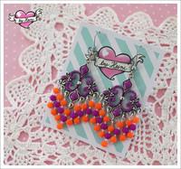 Helmikorvakorut, oranssi/violetti