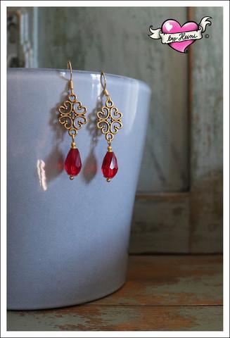 Saara-helmikorvakorut, kulta/punainen