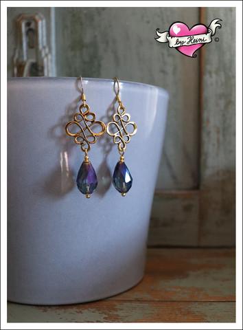 Sisko-helmikorvakorut, kulta/sininen AB-lasi
