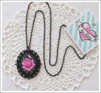 Cameoriipus ruusu, pinkki/musta 2