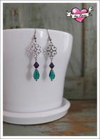 Saara-helmikorvakorut, antiikkihopea/violetti/smaragdinvihreä