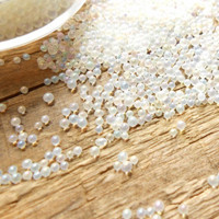Micro Beads: Opalecent 1 - 1,5 mm/ 7ml