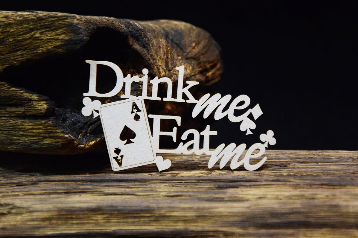 SnipArt: Lucky Games - Drink Me - leikekuvio