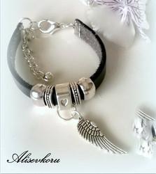 2982 Alise Design - Nahkakäsikoru musta