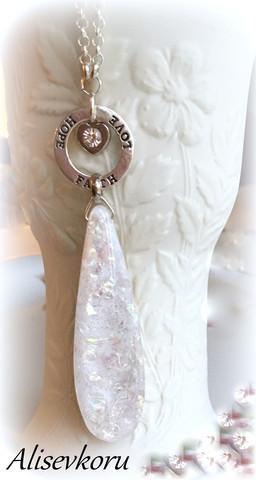 3400 Alise Design Rainbow lasiriipus kaulakoru omalla tekstillä