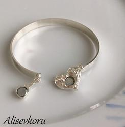 3620 Alise Design rannerengas sydänlukolla
