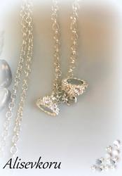 3734 Alise Design  Kaulakoru kristalli/magneettilukolla