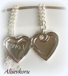 3839  Alise Design Sydänmedaljonki LOVE