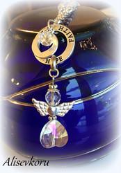 3954 Alise Design  Kristalli enkelikaulakoru