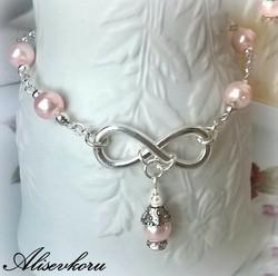 3972 Alise Design Ääretön helmikäsikoru