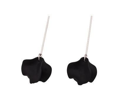 Littlebitdesign: Harju-korvakoru, ruostumaton teräs ja akryyli, väri musta