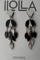 Pisaroi-nappikorvakorut, musta-valkoinen