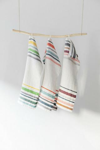 Lewa-pyyhe 48x70 cm eri värejä