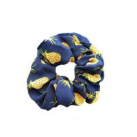 Sininen crunchie ananaksilla