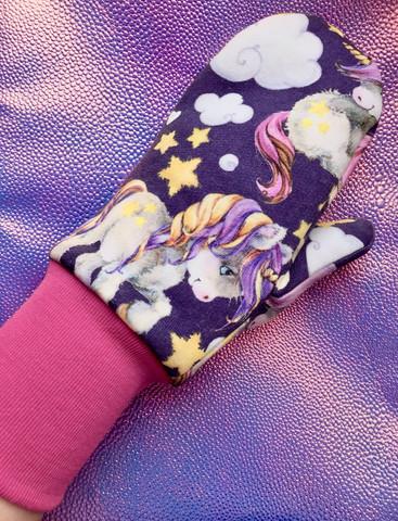 Violetit yksisarvislapaset pinkillä resorilla S