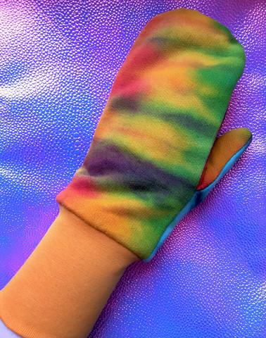 Tie dye -lapaset sinapinvärisellä resorilla M