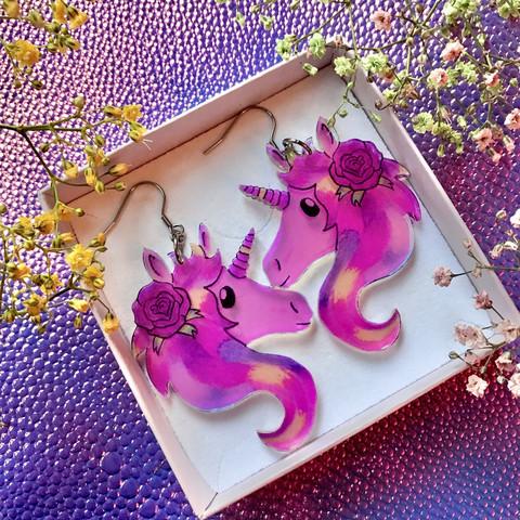 Hologrammiset Fantasy Unicorn -korvakorut
