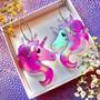 Hologrammiset Fantasy Unicorn -korvakorut renkailla