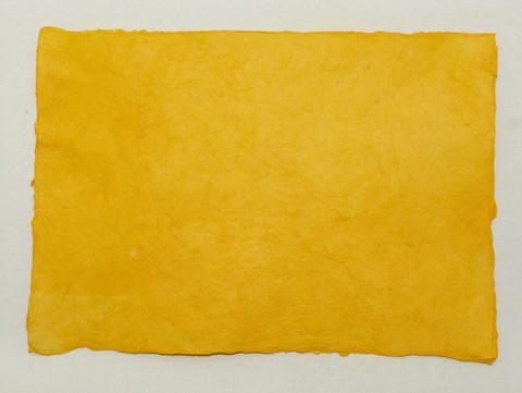 A4 appelsiinin keltainen OYL1, revitty reuna