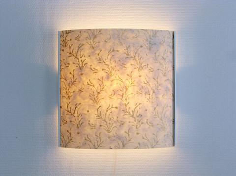 Seinävalaisin, kultaköynnös, valkoinen runko