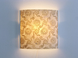 Seinävalaisin, kulta-aurinko, valkoinen runko