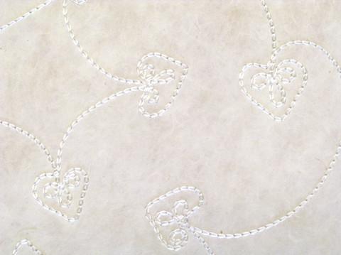 50x75cm luonnonvalkoinen FF/20, silkkikirjailtu sydän