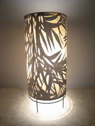 Pöytävalaisin, pyöreä runko, varjostin 'bambunlehti'