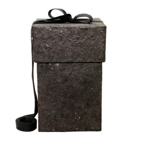 C24 mica, black, cube M
